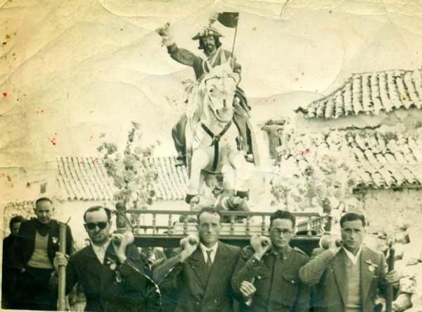 Procesión con Santiago, El Matamoros, en 1956.